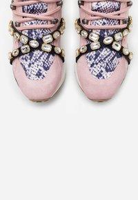 Steve Madden - CREDIT - Sneakers - blush - 5