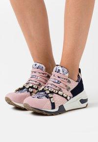 Steve Madden - CREDIT - Sneakers - blush - 0
