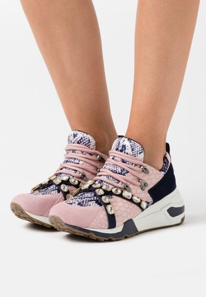CREDIT - Sneakers - blush