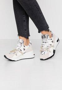 Steve Madden - CREDIT - Sneakers - white - 0