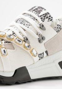 Steve Madden - CREDIT - Sneakers - white - 2