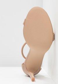 Steve Madden - SOPH - Sandaler med høye hæler - natural - 6