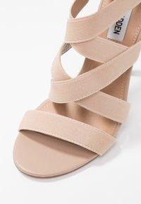 Steve Madden - STRIVE - Sandaler med høye hæler - blush - 2