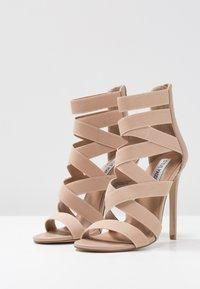 Steve Madden - STRIVE - Sandaler med høye hæler - blush - 4