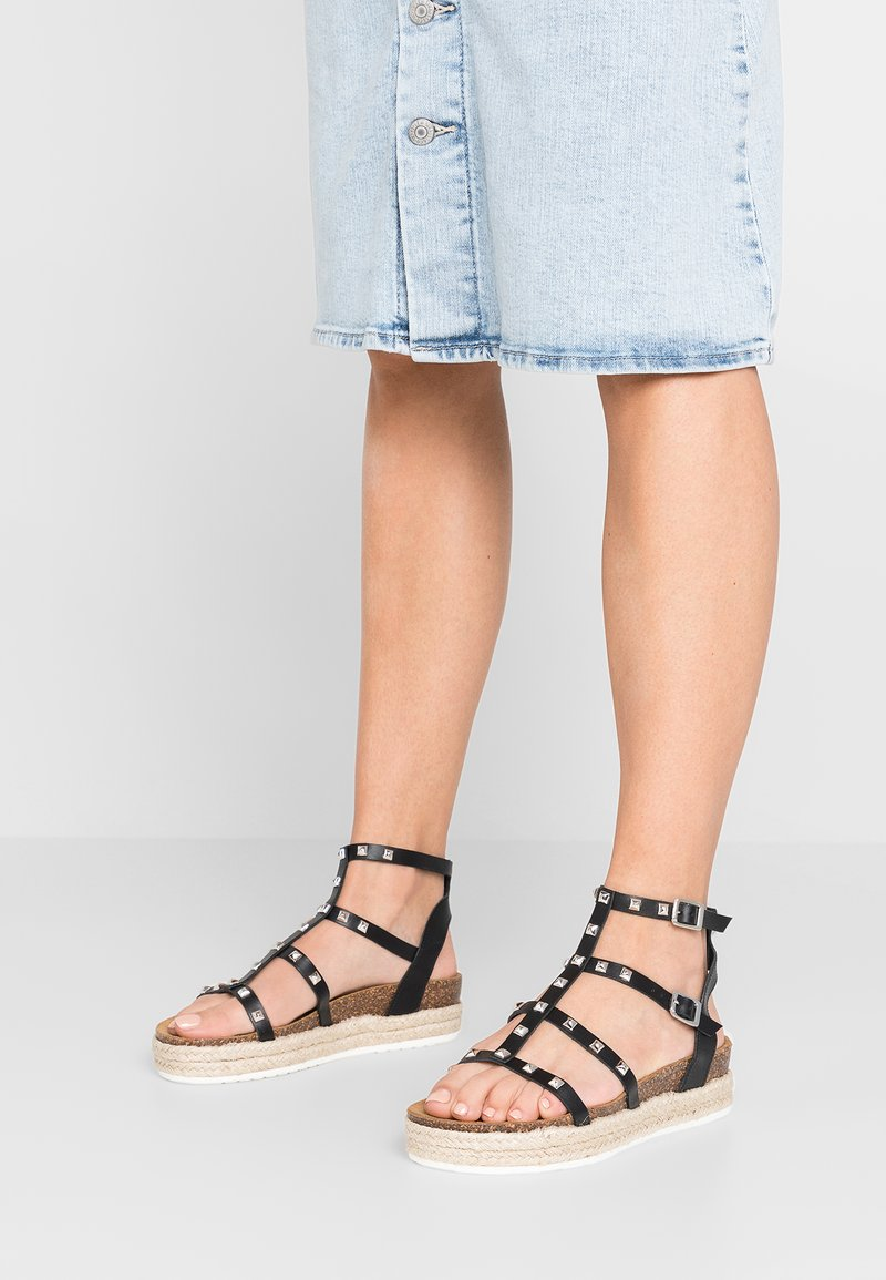 Steve Madden - ARRAY - Plateausandaler - black