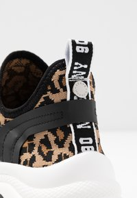 Steve Madden - MATCH - Sneaker low - brown - 2