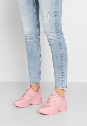 MOVEMENT - Zapatillas - pink
