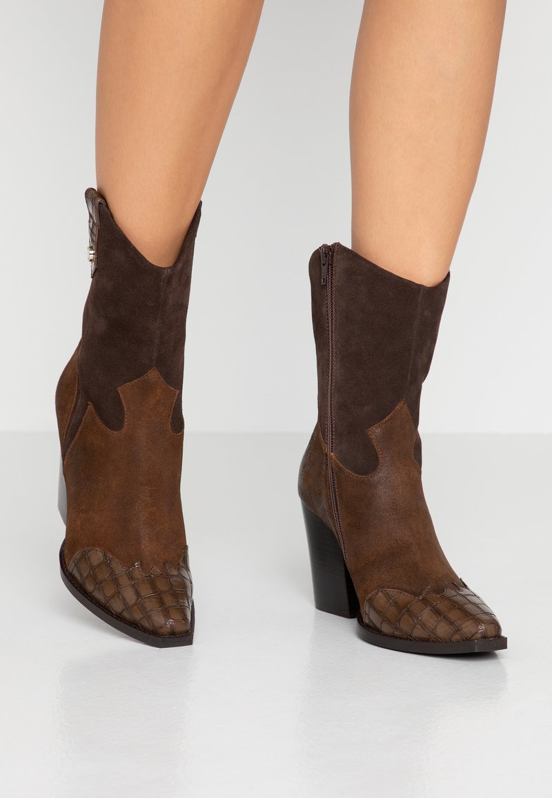 Steve Madden - EZZY - High heeled ankle boots - brown