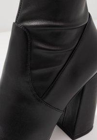Steve Madden - SOMMER - Kozačky na vysokém podpatku - black paris - 2