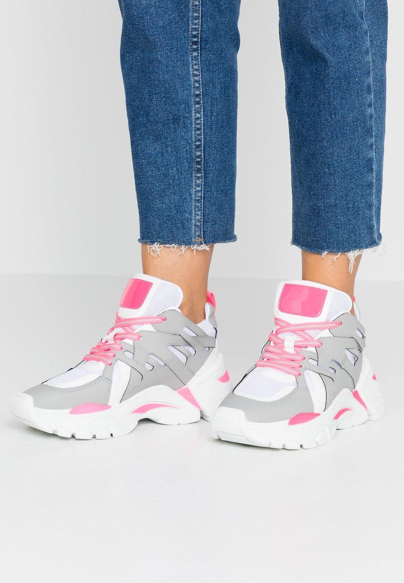 Steve Madden - TRAINA - Trainers - pink neon