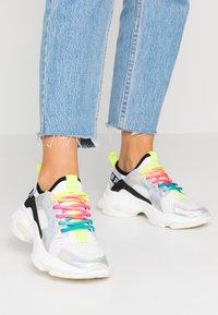 Steve Madden - AJAX - Sneaker low - white/multicolor - 0