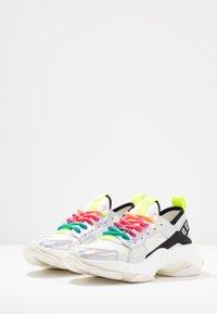 Steve Madden - AJAX - Sneaker low - white/multicolor - 4