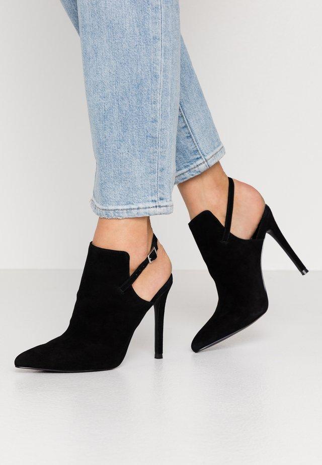 DAILY - Højhælede støvletter - black