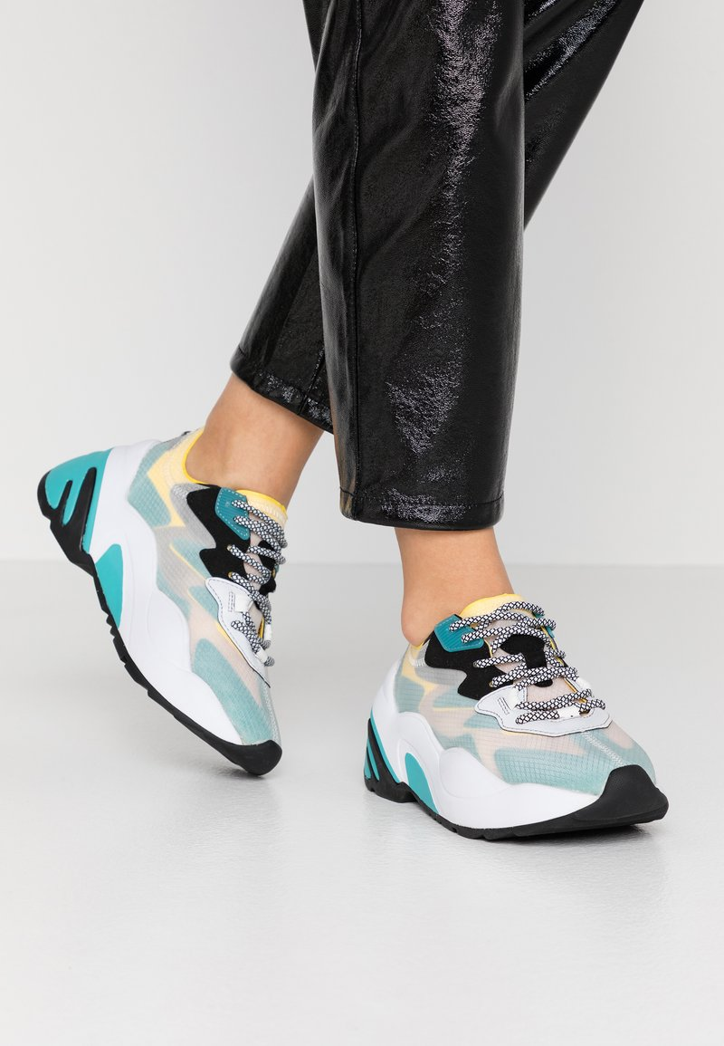 Steve Madden - CHARGED - Sneakers - blue/multicolor