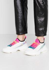 Steve Madden - Sneakers - fuschia/multicolor - 0