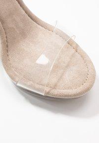 Steve Madden - GLASSY - Pantofle na podpatku - clear - 2