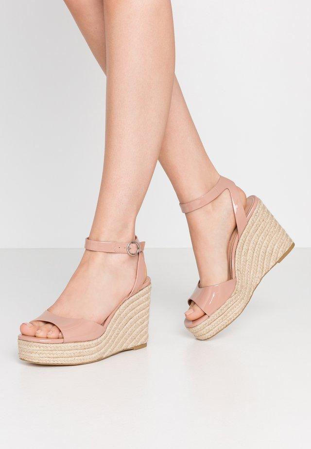 VALLI - Korolliset sandaalit - blush