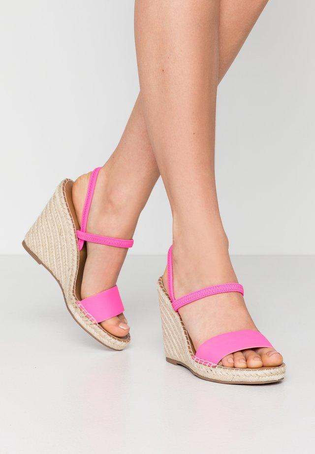 MCKENZIE - Sandály na vysokém podpatku - pink neon