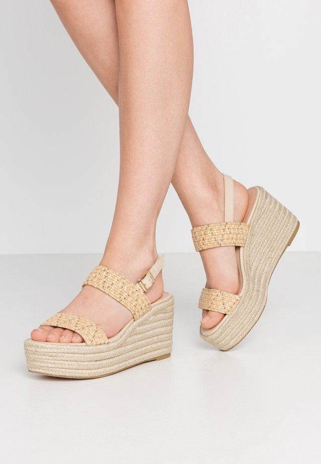 FOCUSED - Korolliset sandaalit - natural