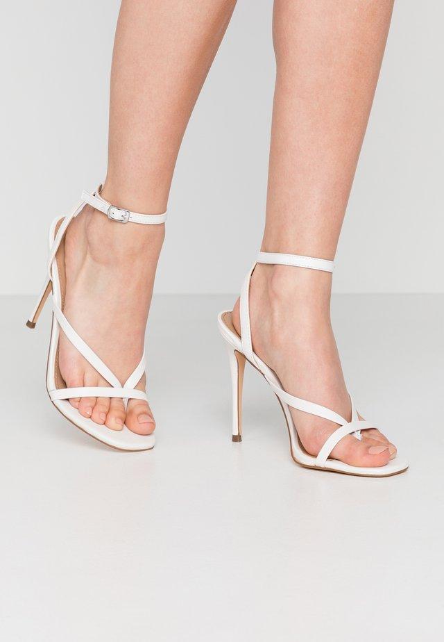 AMADA - Sandały na obcasie - white