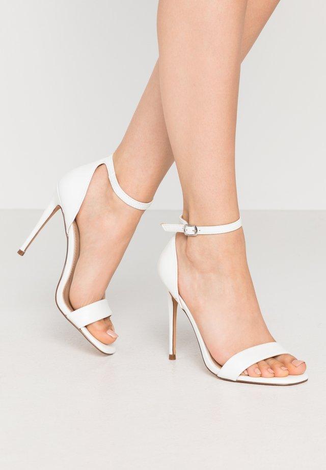 REEVES - Højhælede sandaletter / Højhælede sandaler - white