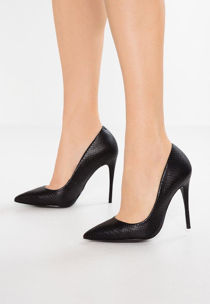 Steve Madden - DAISIE - High heels - black