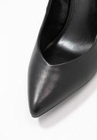 Steve Madden - PORTRAIT - Højhælede pumps - black - 2