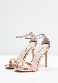 Steve Madden - STECY - Korolliset sandaalit - rose gold - 2