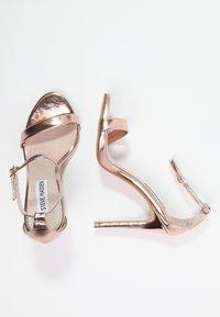 Steve Madden - STECY - Korolliset sandaalit - rose gold - 1