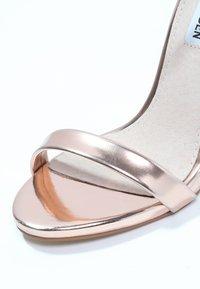 Steve Madden - STECY - Korolliset sandaalit - rose gold - 5