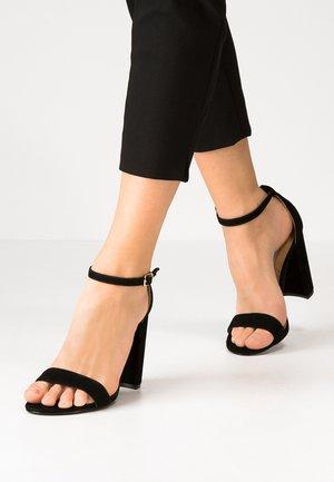 CARRSON - Sandaler med høye hæler - black