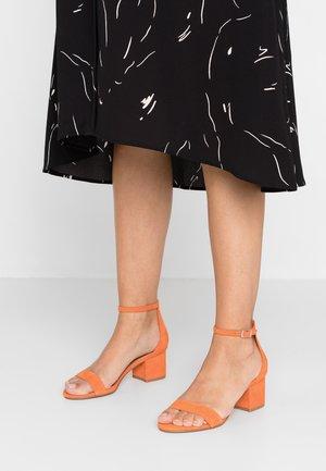 IRENEE - Sandały - orange