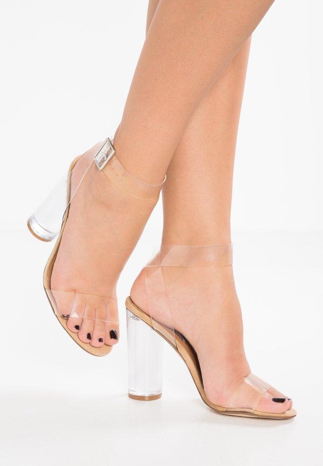 CLEARER - Sandalen met hoge hak - clear