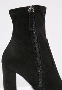 Steve Madden - EDITT - Kotníková obuv na vysokém podpatku - black - 6
