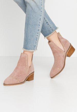 CONSPIRE - Boots à talons - tan