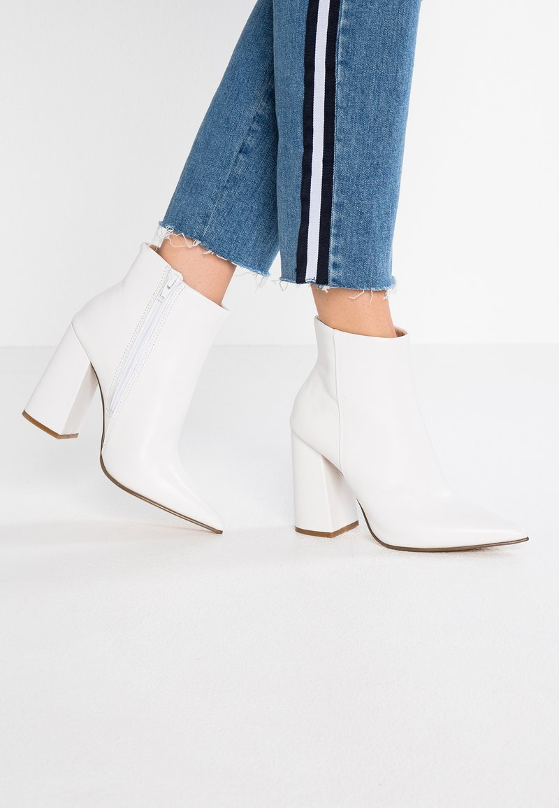Steve Madden - JUSTIFY - High heeled ankle boots - white