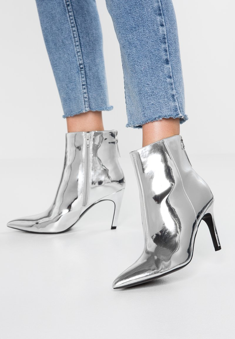 Steve Madden - SHINE - High Heel Stiefelette - silver