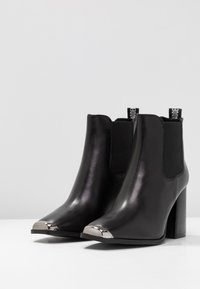 Steve Madden - PETTY - High Heel Stiefelette - black - 4
