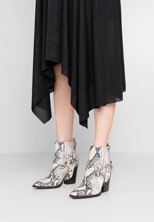 UNO - Kotníková obuv na vysokém podpatku - natural
