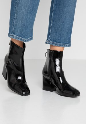 ROXTER - Classic ankle boots - black
