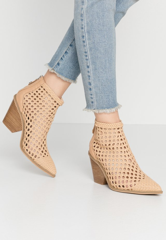TIVOLI - Ankle boots - nude