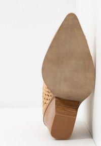 Steve Madden - TIVOLI - Ankle boot - nude - 6