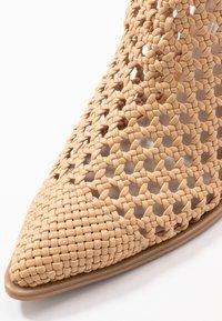 Steve Madden - TIVOLI - Ankle boot - nude - 2