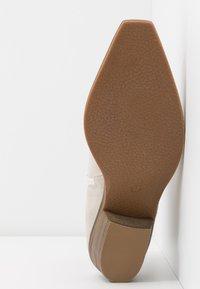 Steve Madden - PHILIPPA - Boots à talons - black/white - 6