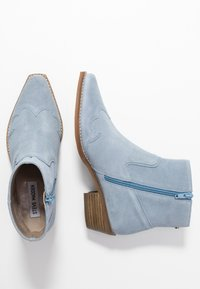 Steve Madden - PHILIPPA - Boots à talons - light blue - 3