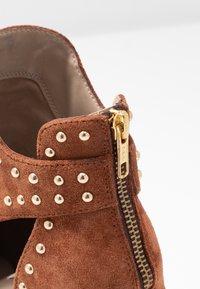 Steve Madden - JUSTINE - Boots à talons - rust - 2