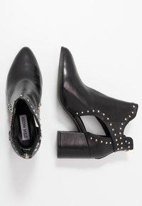 Steve Madden - JUSTINE - Kotníková obuv - black - 3