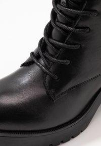 Steve Madden - SAMANTHA - Platform ankle boots - black - 2