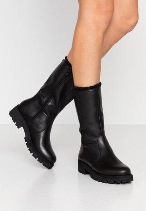 HOLLY - Vinterstøvler - black