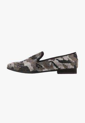 CLOAK - Slip-ons - black